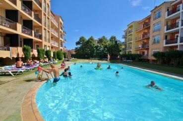 immocenter empuriabrava: appartement 2 pièces, belle résidence avec possiblité piscine
