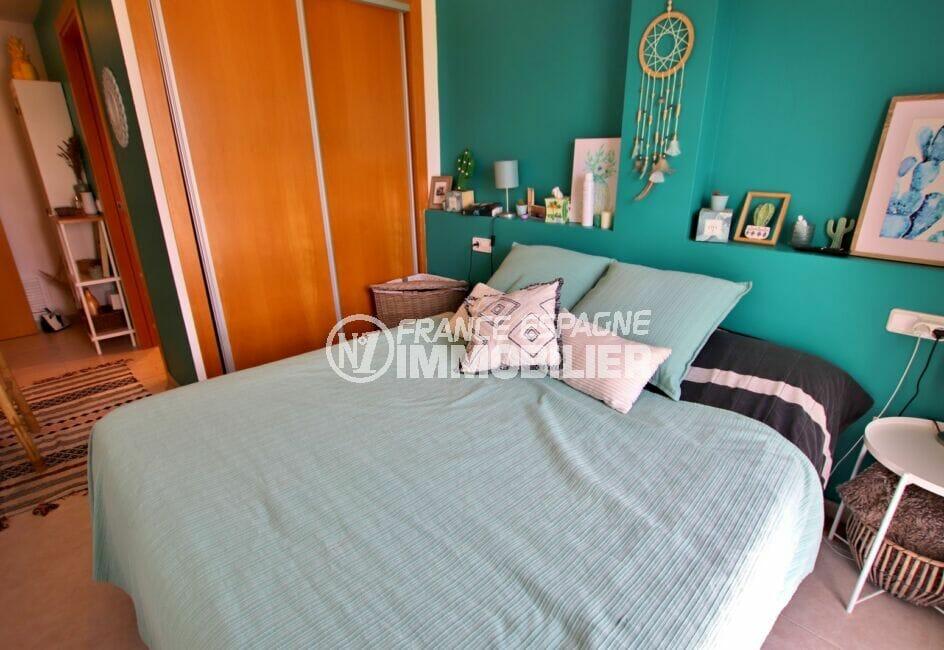 achat empuriabrava: appartement 2 chambres 71 m², suite parentale avec grande penderie