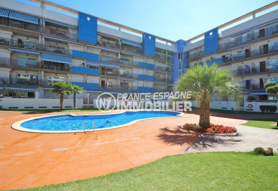 immo center rosas: appartement 3 pièces 68 m², résidence bien entretenue avec piscine