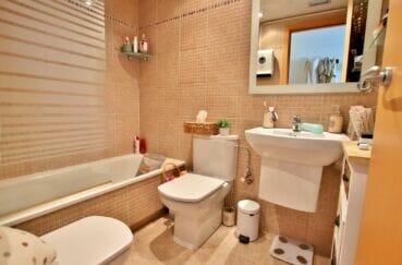 appartement a empuriabrava, ref.4245, salle de bain de la suite parentale