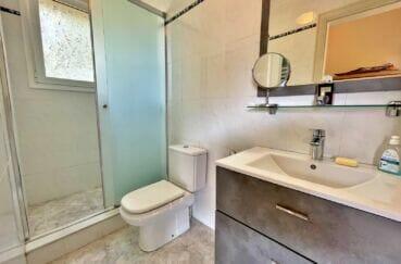 vente immobilier rosas espagne: villa 3 chambres 124 m², salle d'eau avec douche italienne et wc