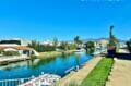 moment très agréable pour une promenade en bateau sur le canal d'empuriabrava