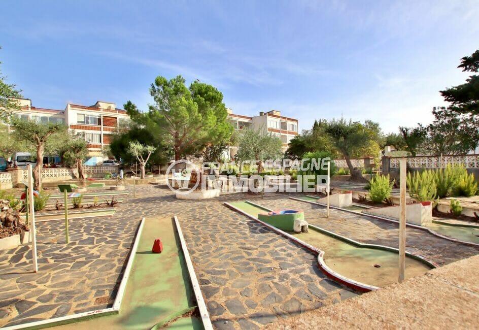 la costa brava: appartement 2 chambres 75 m², mini-golf en commun dans la résidence