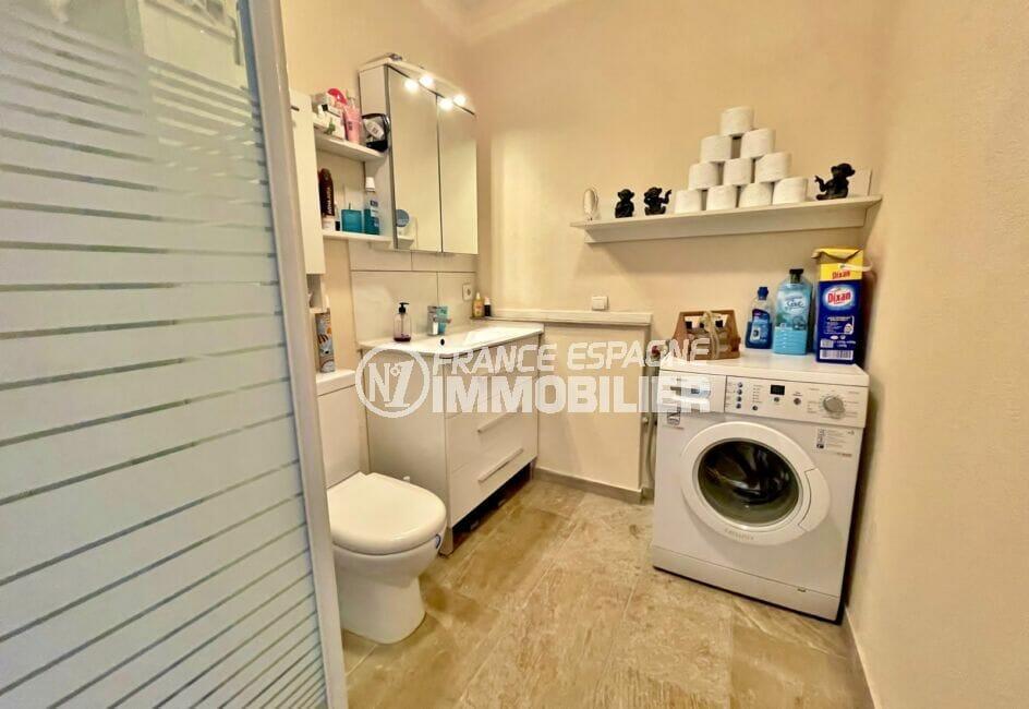 costa brava maison a vendre, 5 chambres 223 m², salle d'eau avec douche et wc