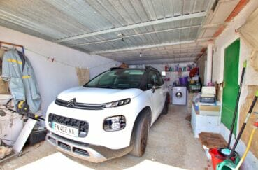 achat maison rosas espagne, 4 chambres 182 m², garage avec rangements aménagés au fond