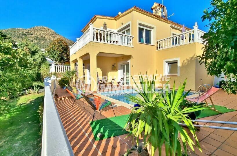 maison a vendre a rosas, 3 chambres 156 m² avec piscine dans secteur résidentielle, terrain 421 m². proche plage