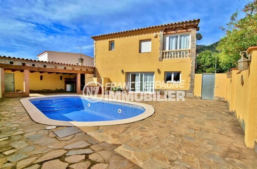 immo roses: villa 3 chambres 178 m², villa de 178 m² construite sur terrain de 431 m² avec piscine, proche plage