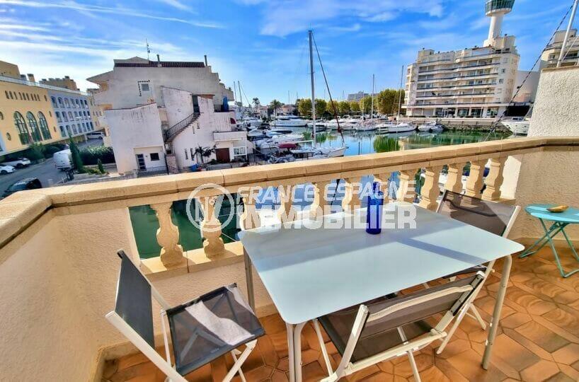 appartement empuria brava, 2 pièces 56 m² traversant avec terrasse vue marina, plage à 1000 m