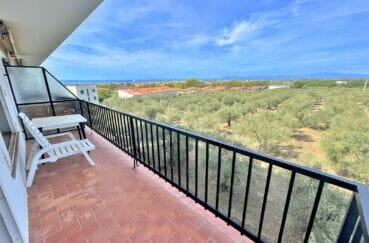 appartement a vendre a rosas, 2 chambres 66 m², terrasse de 9 m² avec vue mer et montagnes, proche plage