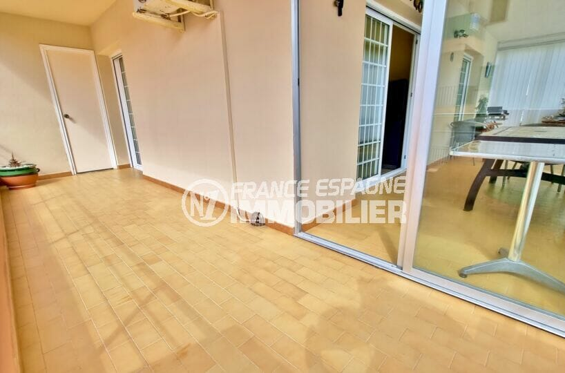 appartement à vendre costa brava, 2 chambres 84 m², terrasse + terrasse véranda vue mer de 32 m² en tout, plage à 200 m