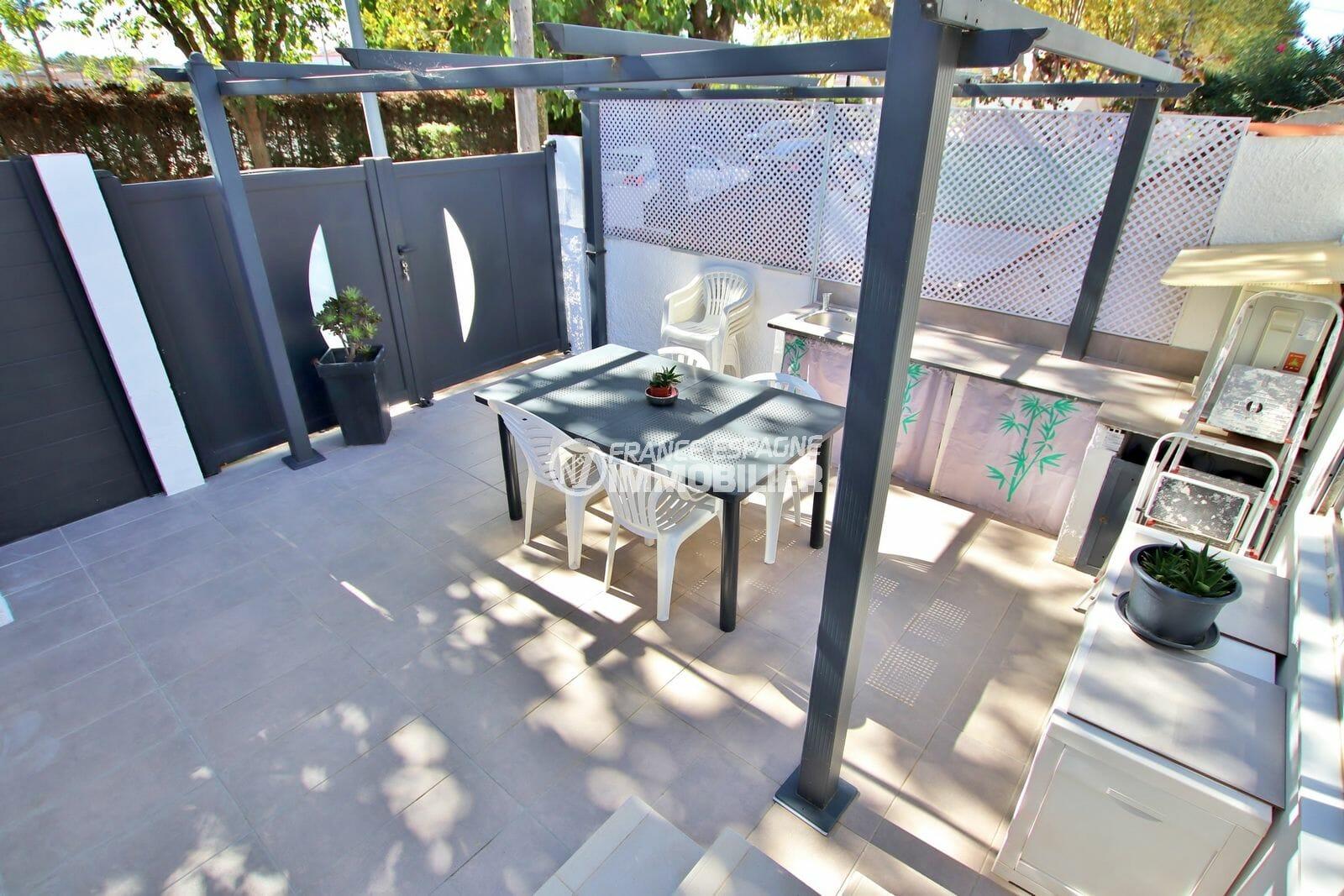maison empuriabrava, 2 chambres 52 m² avec 2 terrasses et parking cour intérieure, plage à environ 2000 m