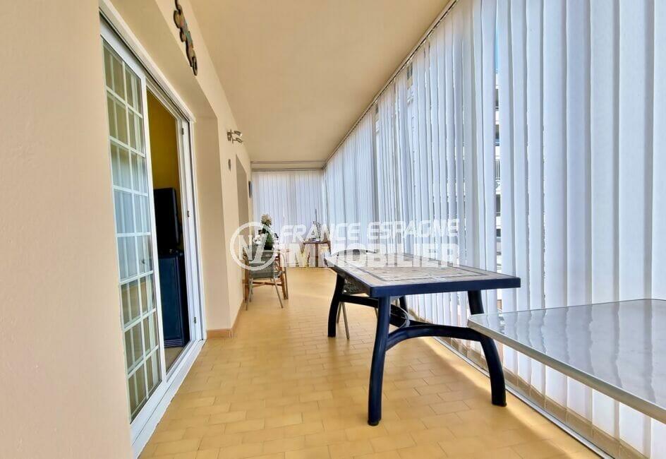immo roses: appartement 2 chambres 84 m², terrasse veranda de 32 m², vue mer