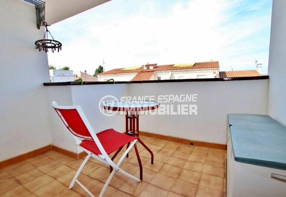 appartement a vendre a rosas, 2 pièces 50 m², 2° terrasse couverte avec table et chaise