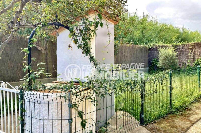 achat maison rosas, 80 m² sur terrain 390 m², eau et électricité autonome, puits et plaques solaires