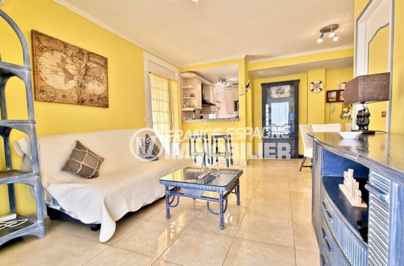 appartement a vendre a rosas, 2 chambres 84 m², salon / salle à manger avec cuisine ouverte