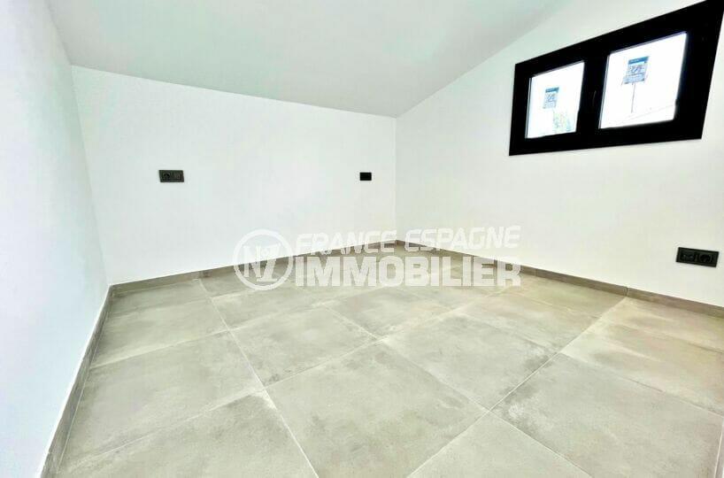 immo center: villa 2 chambres 79 m², chambre à coucher avec carrelage au sok