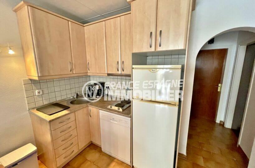 acheter maison empuriabrava, 3 chambres 46 m², cuisine aménagée de nombreux rangements
