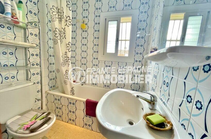 acheter maison empuriabrava, 2 chambres 76 m², salle de bain avec baignoire et wc