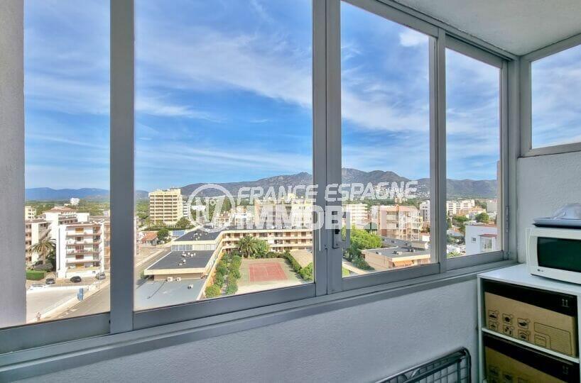 appartement a vendre rosas espagne, 2 chambres 63 m², cellier avec veranda vue montagne