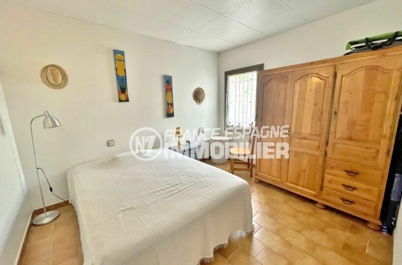 maison a vendre a empuriabrava, 3 chambres 46 m², 1° chambre avec lit double et grande penderie