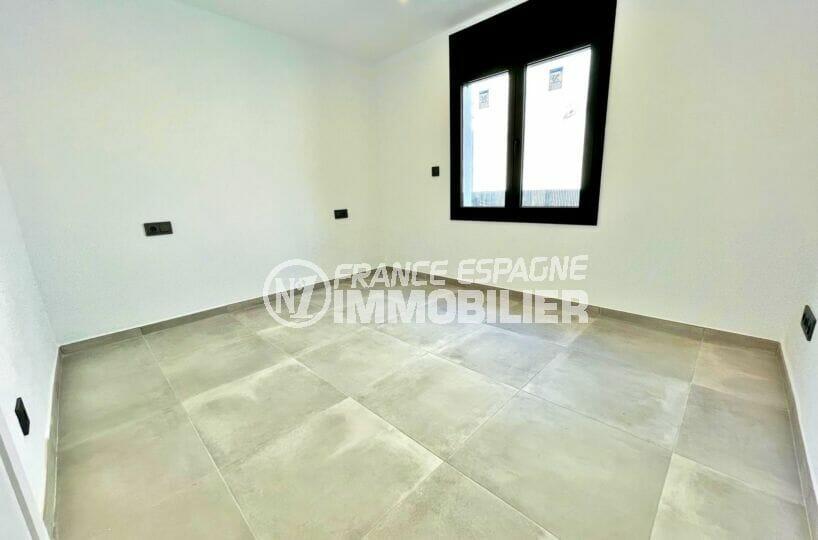 maison a vendre espagne, 2 chambres 79 m², chambre à coucher avec prises murales