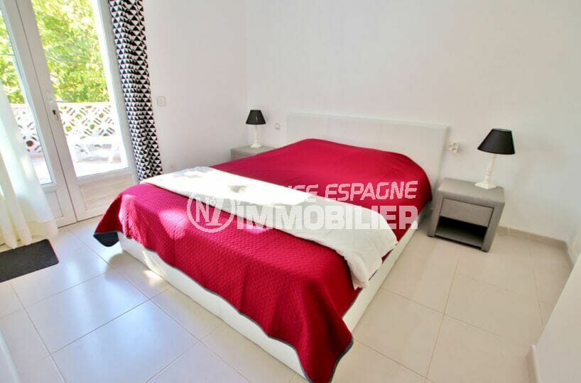 vente empuriabrava: villa 2 chambres 52 m², 1° chambre à coucher, lit double, terrasse