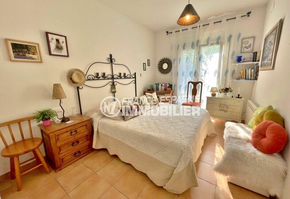 achat maison sur la costa brava, 3 chambres 113 m², chambre à coucher avec accès terrasse