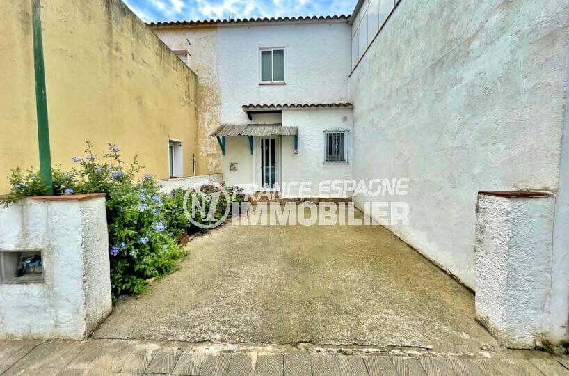 vente empuriabrava: villa 2 chambres 76 m², parking cour intérieure