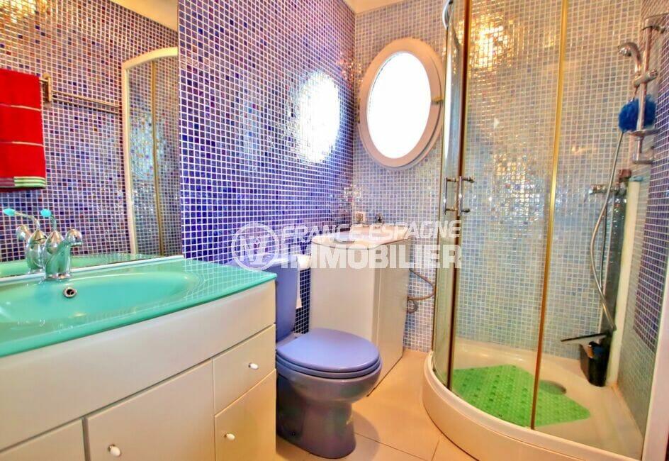 maison à vendre à empuriabrava, 2 chambres 52 m², salle d'eau avec douche et wc, branchement lave-linge