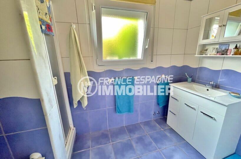 vente maison costa brava, 3 chambres 113 m², salle d'eau avec douche et wc