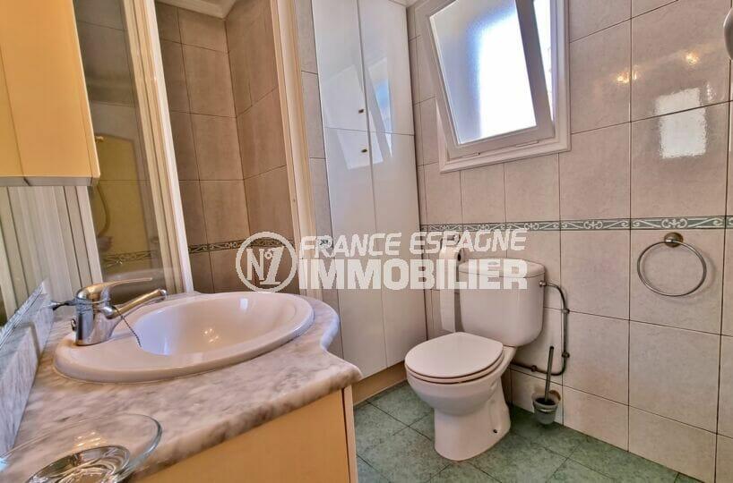 vente appartement costa brava, 2 chambres 84 m², salle d'eau avec douche et wc