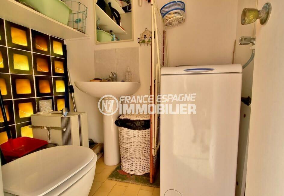 la costa brava: appartement 2 chambres 84 m², wc indépendant avec lavabo, branchement lave-linge