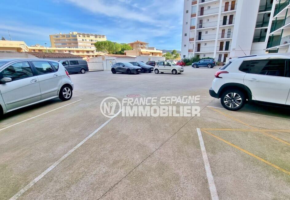 achat appartement rosas espagne, 2 chambres 63 m², parking en commun face à la plage